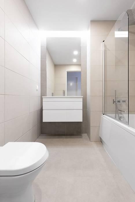 Instalação Sanitária Casas de banho modernas por Archimais Moderno