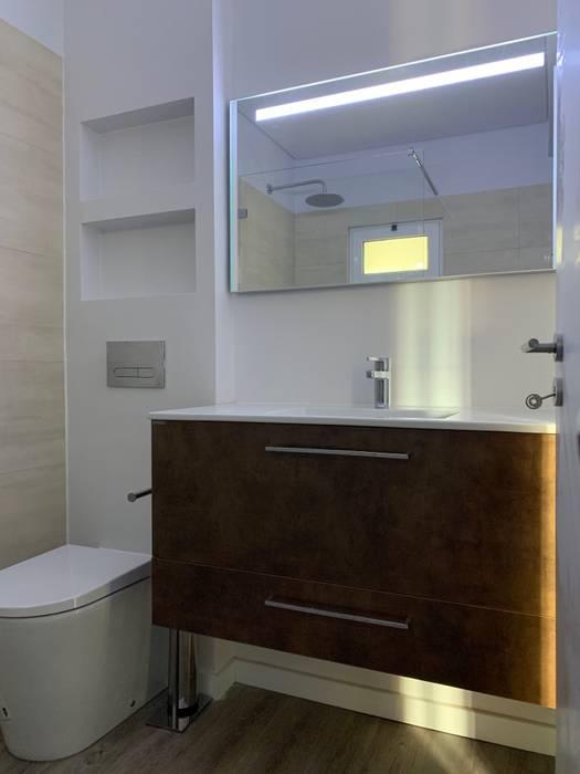 浴室 by CSR - Construção e Reabilitação em Lisboa, 現代風
