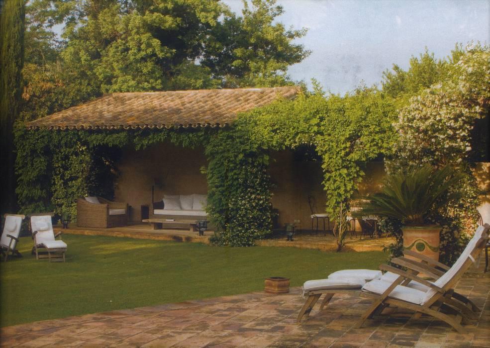 Un po' d'ombra in giardino Sabina Casol - Architetto Casa di campagna