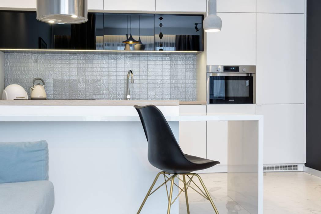 Petites cuisines de style  par Lux Interiors - projektowanie i aranżacja wnętrz Gdańsk, Gdynia, Sopot,
