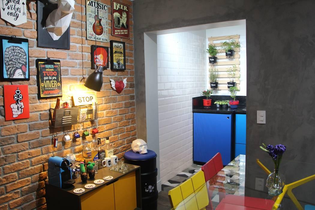 Ruang Makan Modern Oleh Mari Milani Arquitetura & Interiores Modern