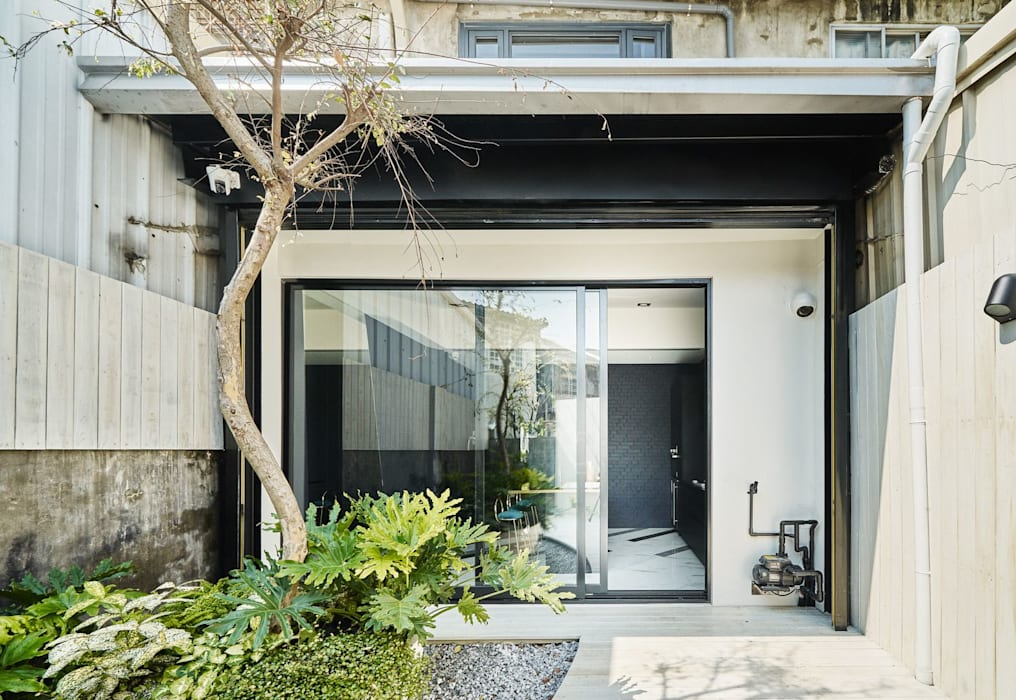 Jardines zen de estilo  por 理絲室內設計有限公司 Ris Interior Design Co., Ltd.,