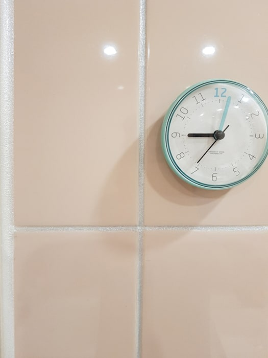 Modern Walls and Floors by 그리다집 Modern Tiles
