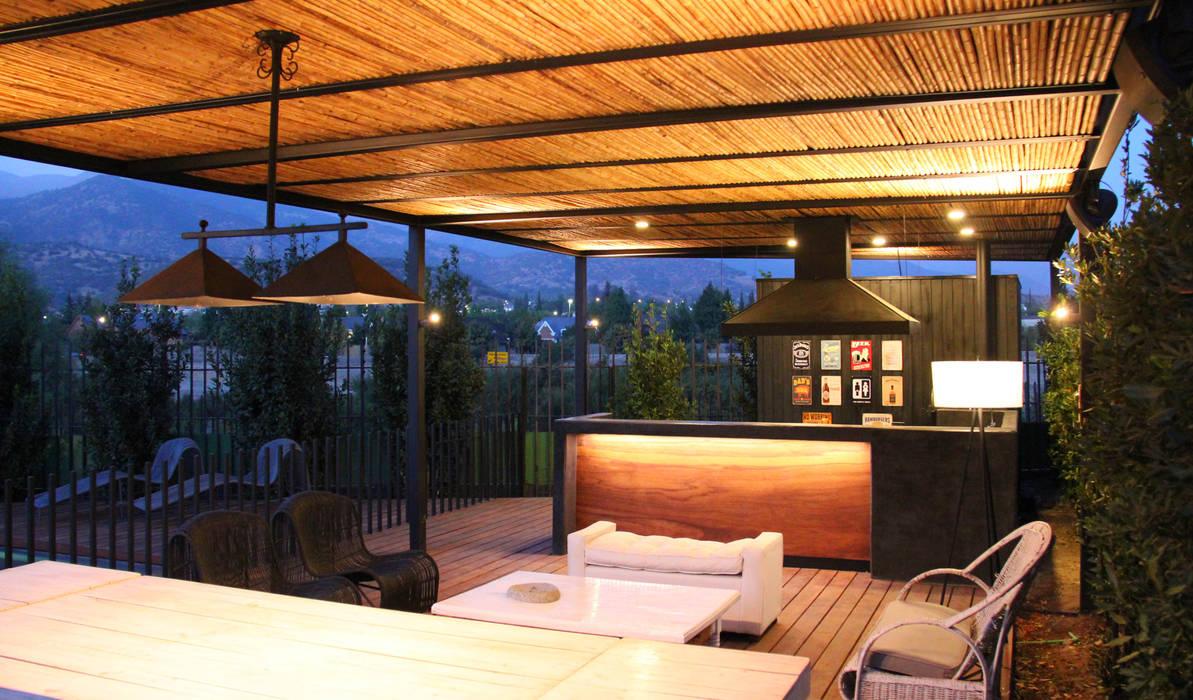 QUINCHO CAMINO REAL: Techos planos de estilo  por ESTUDIOFES ARQUITECTOS, Moderno Bambú Verde