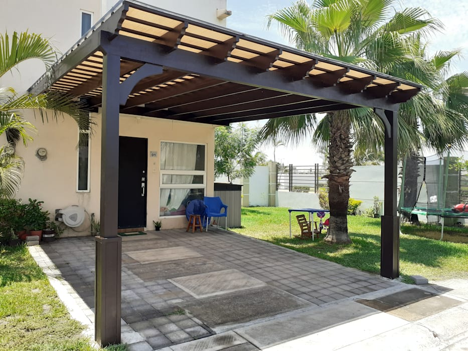 Wooden houses by Pergolas de Veracruz diseños americanos, Mediterranean Engineered Wood Transparent