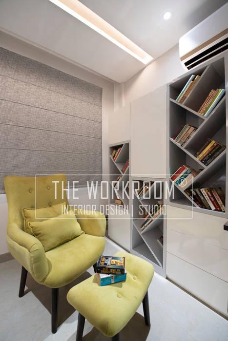 Apartment in Ridgewood Estate, Gurugram Modern study/office by The Workroom Modern