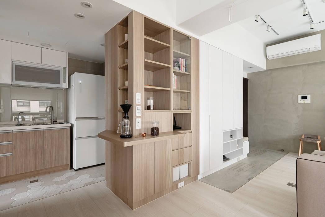 靜享宅:  廚房 by 文儀室內裝修設計有限公司, 簡約風