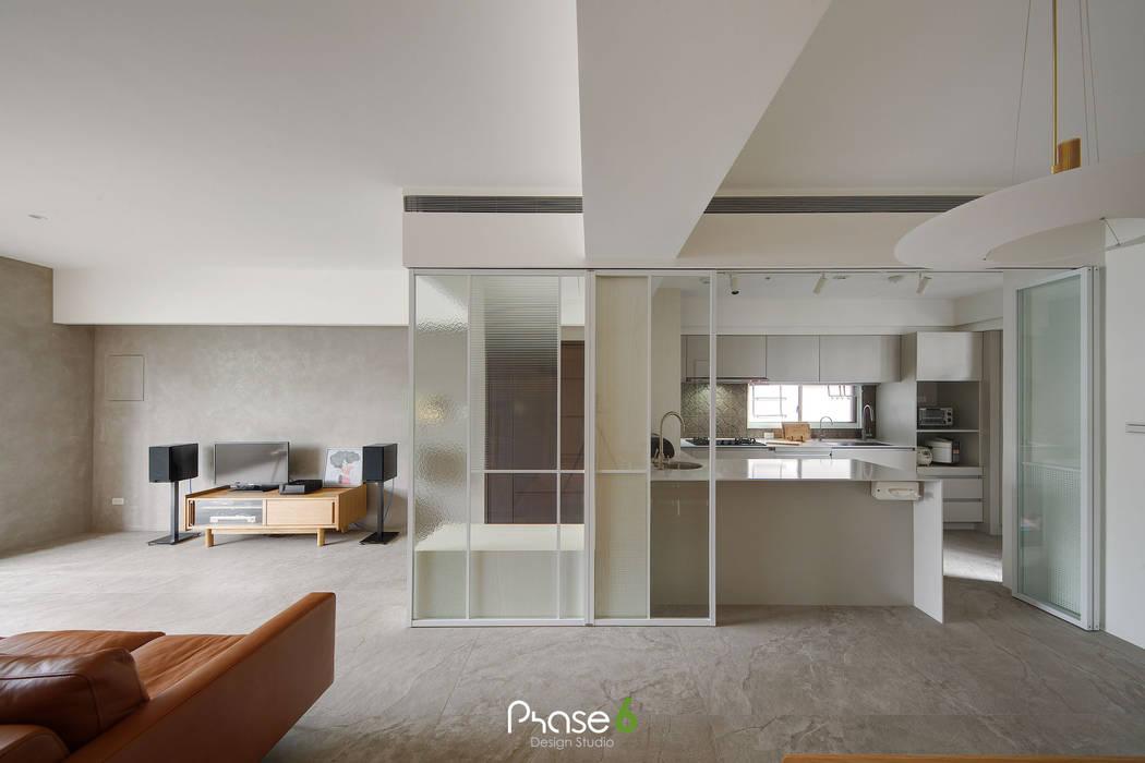 Apartment  W:  門 by 六相設計 Phase6, 隨意取材風