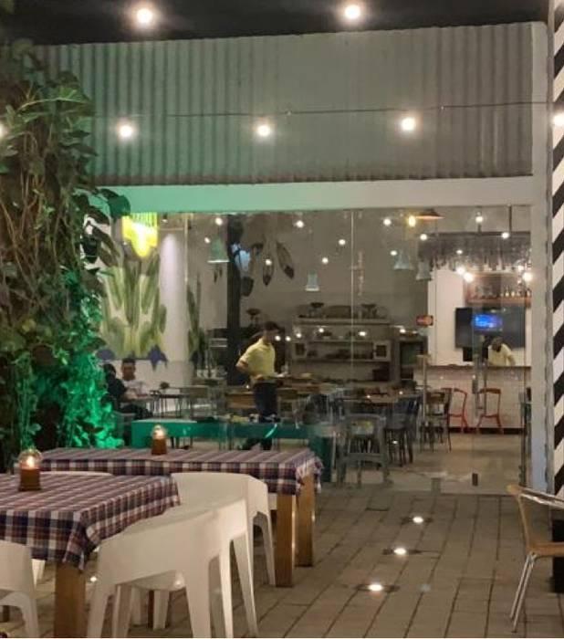 Ресторации в . Автор – VERONICA MEJIA , Эклектичный