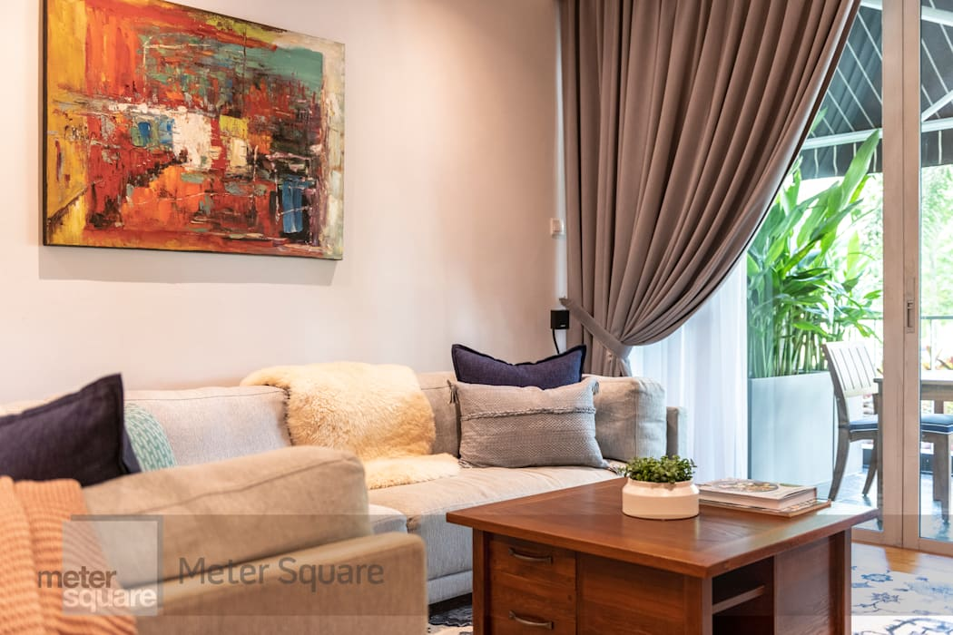 White Classic Classic style living room by Meter Square Pte Ltd Classic