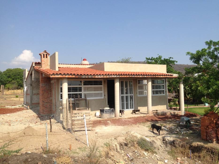 Cabaña Casas de estilo rústico de Roca Arquitectura & Construccion Rústico