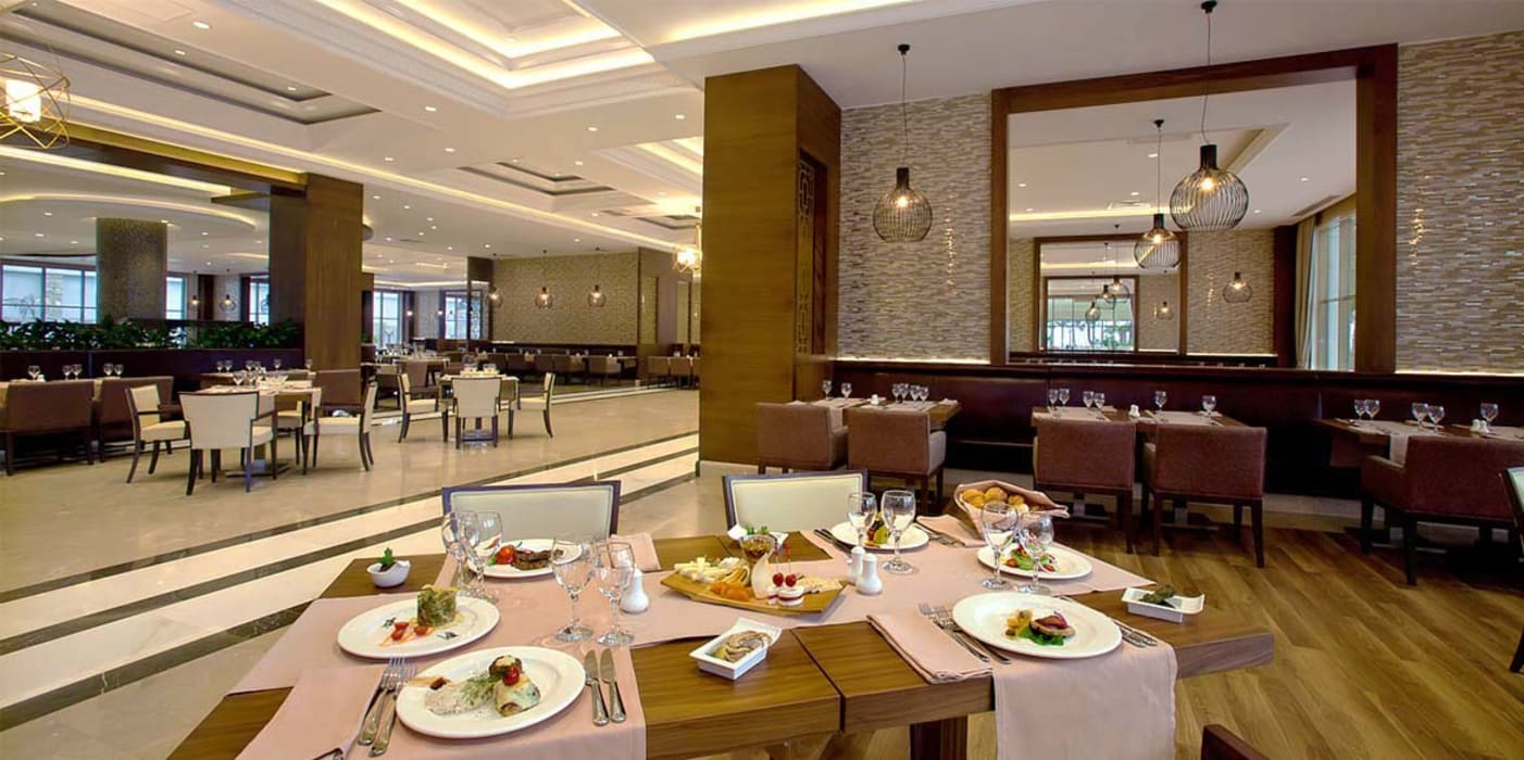Gastronomy by KALYA İÇ MİMARLIK, Classic Wood Wood effect