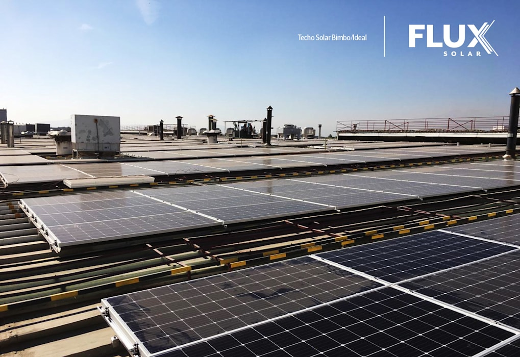 Techo Ideal: Bodegas de estilo  por Flux Solar SpA, Industrial