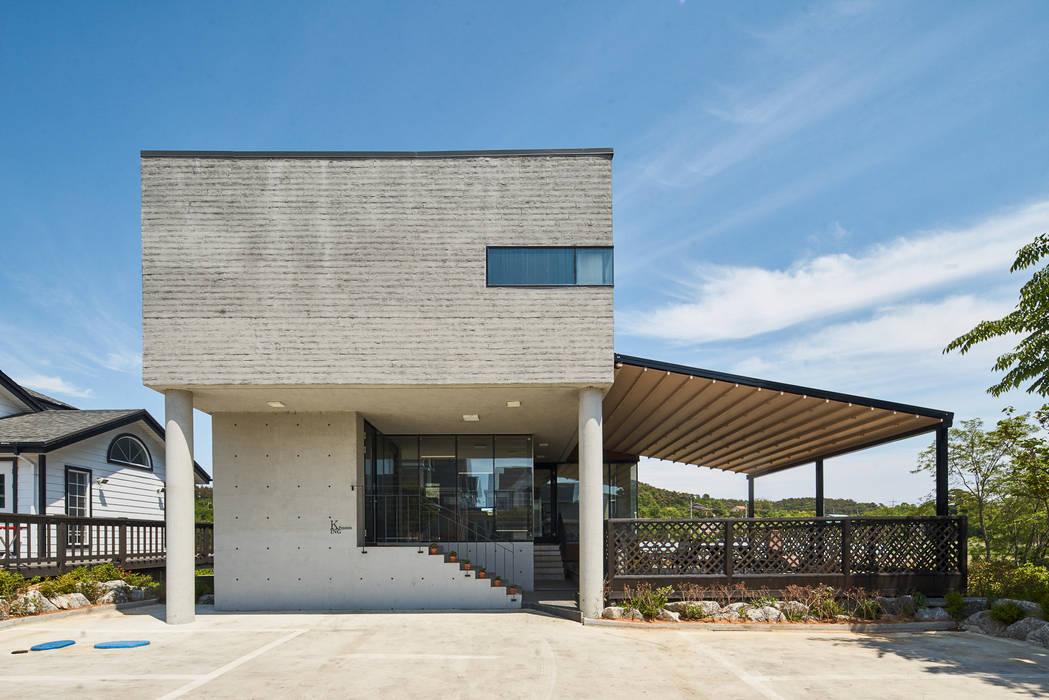 K: 건축사사무소 호반석(주)의  테라스 주택,