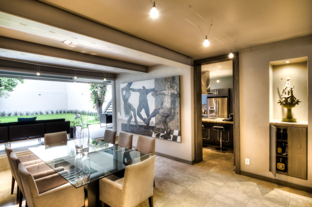 Dining room by Con Contenedores S.A. de C.V., Modern