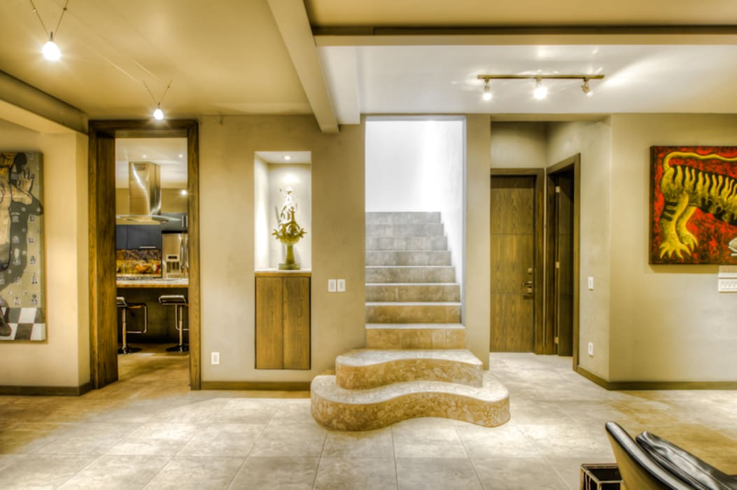 CASA POMPEYA : Escaleras de estilo  por Con Contenedores S.A. de C.V.,