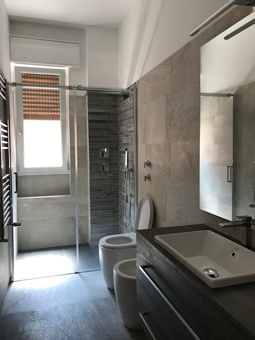 Colonial style bathroom by Cozzi Arch. Mauro Colonial