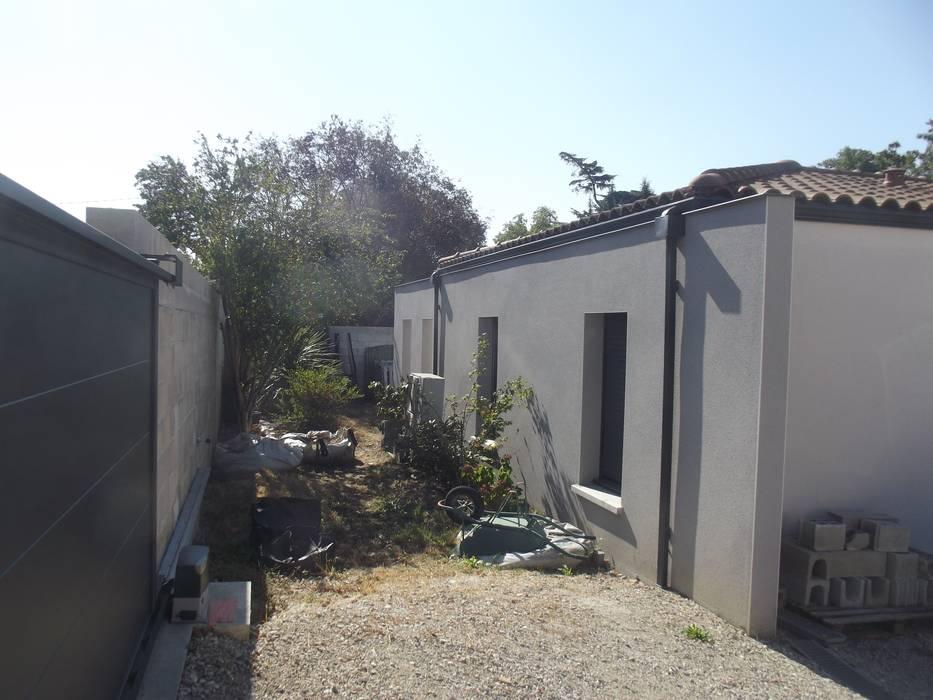 Un Jardin Terracotta & Noir Jardin méditerranéen par E/P ESPACE DESIGN - Emilie Peyrille Méditerranéen