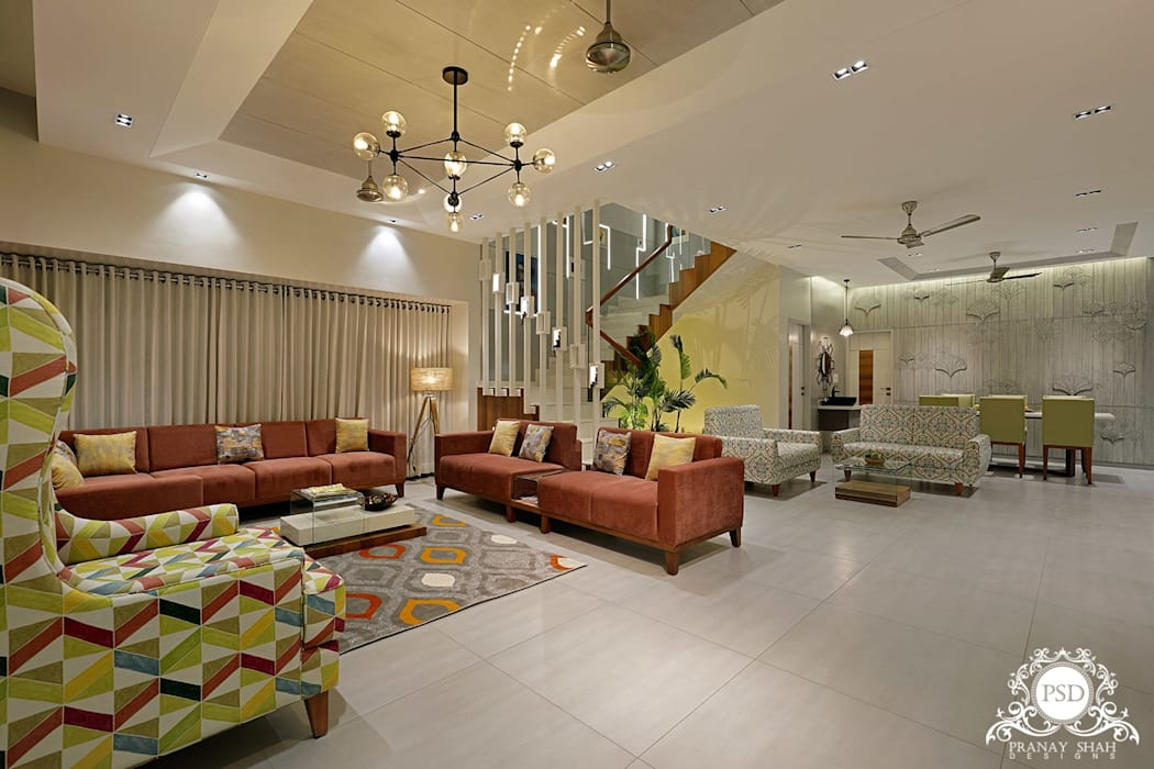 Living Room:  Living room by Pranay Shah Designs,