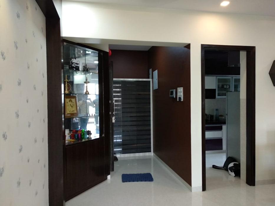 Entrance, Shoes Rack, Corner Display Modern Corridor, Hallway and Staircase by Clickhomz Modern