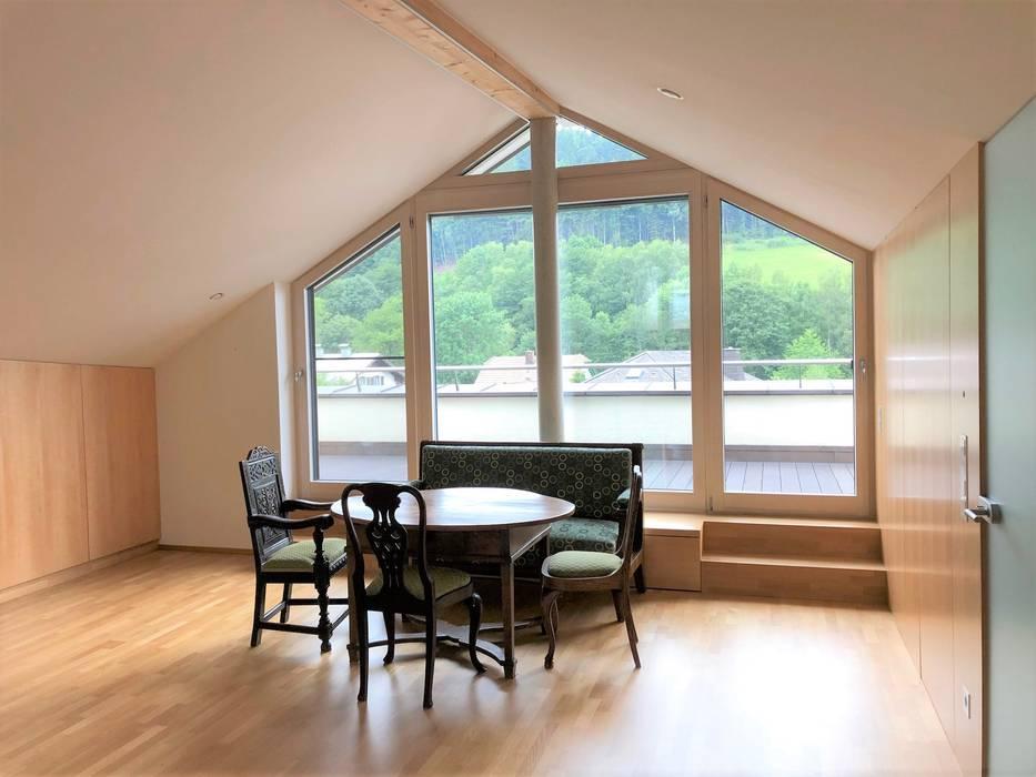Phòng học/văn phòng phong cách hiện đại bởi archipur Architekten aus Wien Hiện đại Gỗ Wood effect