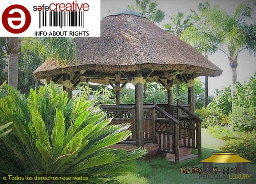 PERGOLA DE JUNCO EN LAGO -MARBELLA MALAGA de PERGOLAS LUXURY Tropical