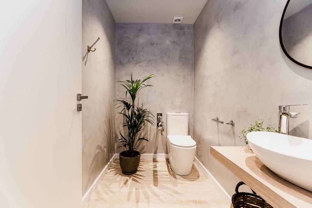 Bathroom de Stockholm Barcelona Design - Interioristas en Barcelona Escandinavo Madera Acabado en madera