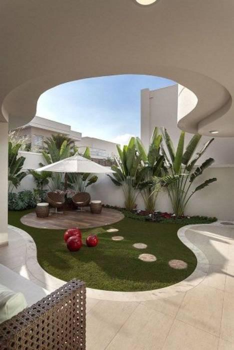 Balcon, Veranda & Terrasse méditerranéens par Delight Gardening and Irrigation Service's Méditerranéen Caoutchouc