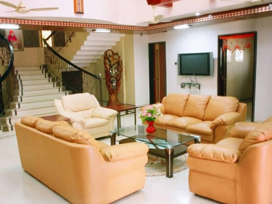 Interior Designer & Home Decor:  Country house by Jyani Interior,