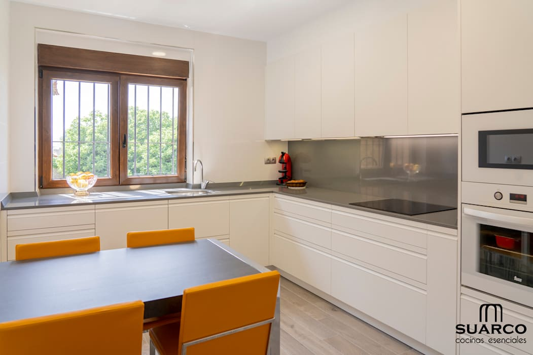 cocinas en l modernas Cocina Moderna Blanca En Forma De L De Suarco Moderno Homify