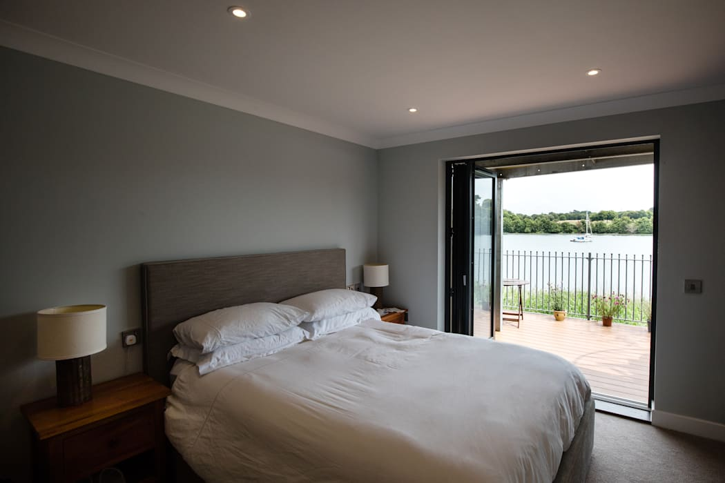 Master bedroom Kamar Tidur Modern Oleh dwell design Modern