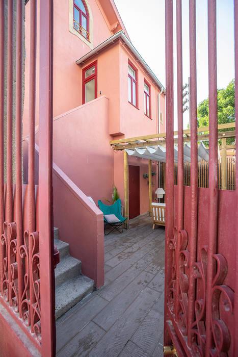 pintu depan oleh SHI Studio, Sheila Moura Azevedo Interior Design, Klasik
