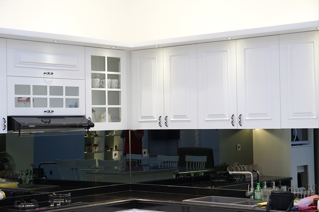 kabinet dapur gaya klasik Dapur Klasik Oleh PT Membangun Harapan Sukses Klasik