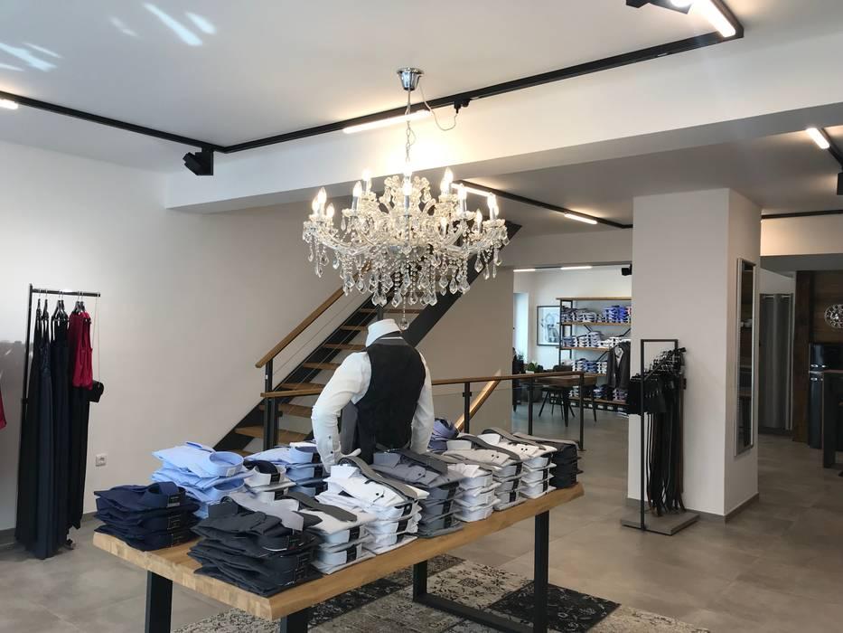 Modern offices & stores by Licht-Design Skapetze GmbH & Co. KG Modern