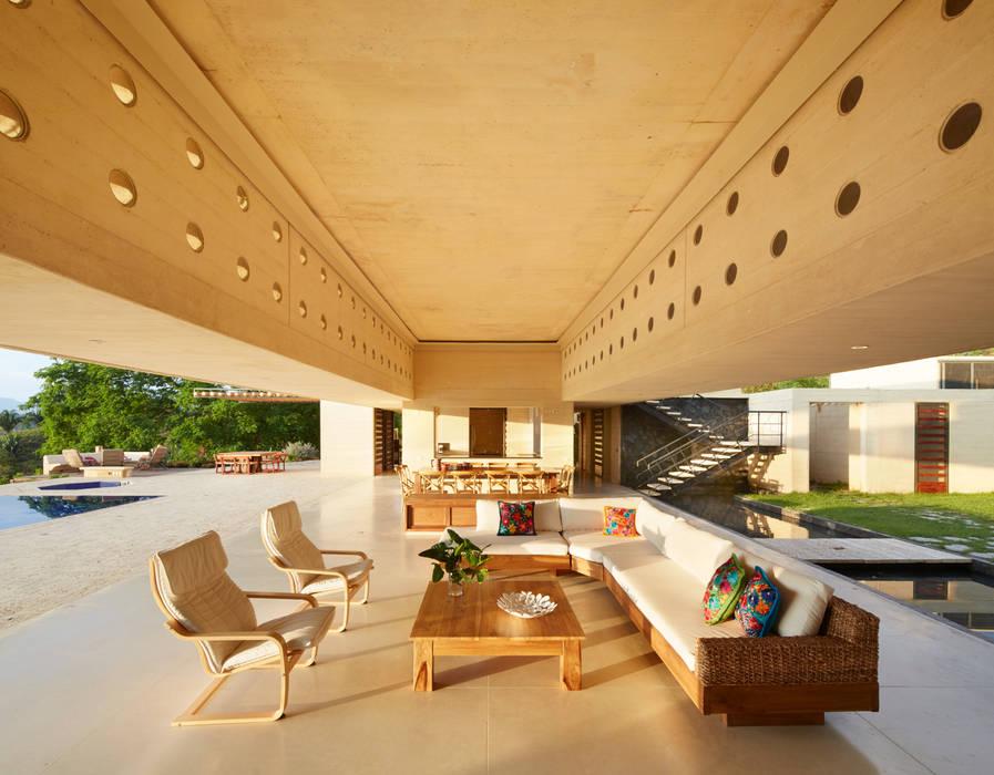 Salas de estilo moderno de Carlos Campuzano y Asociados Arquitectos Moderno