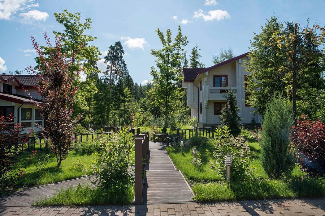 Jardines de estilo moderno de Благородный сад Moderno