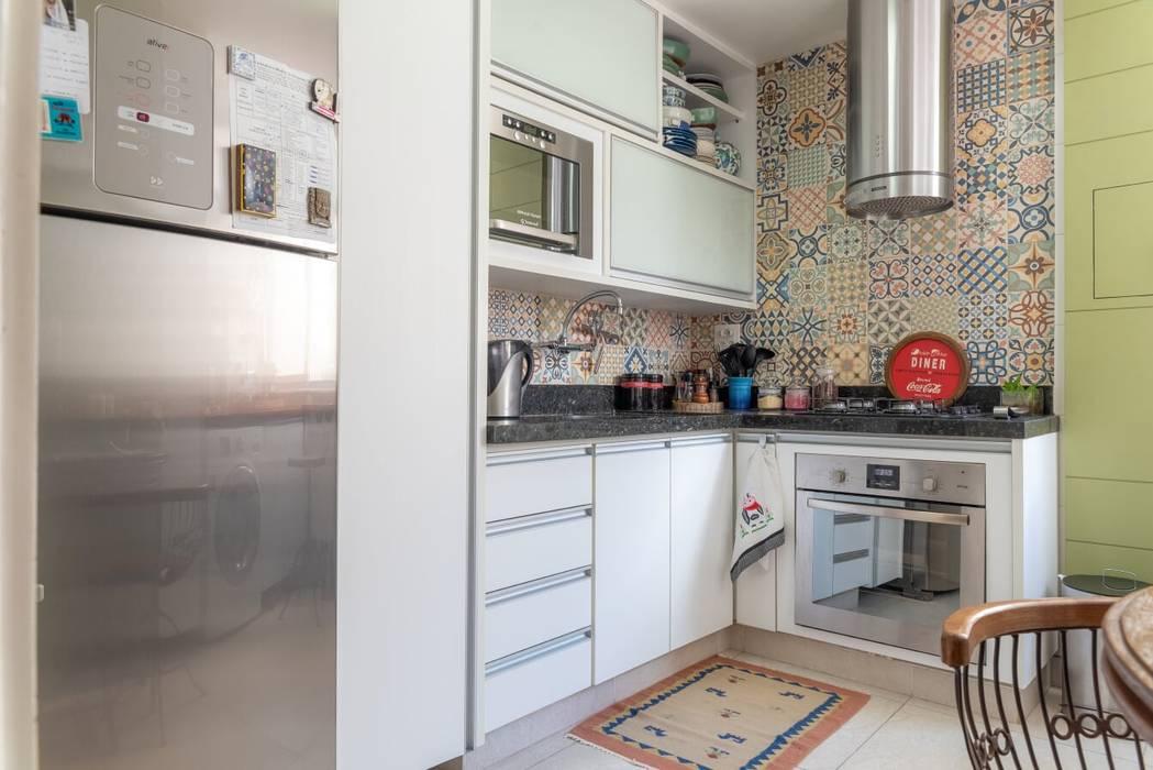 Cozinha Compacta por Arquinovação Eclético Cerâmica