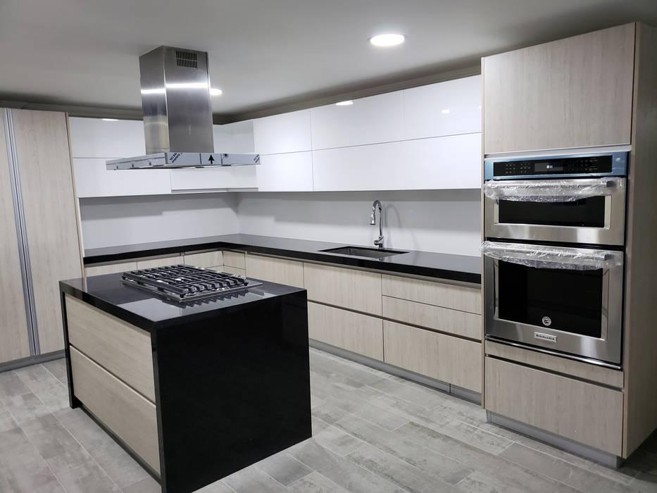 Cocina Integral Casa Villa Campestre de TAUPE CARPINTERIA Moderno