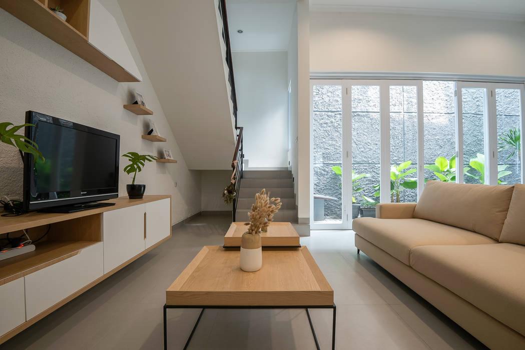 coffee tablehttp://mulia-hs.com/design-interior Ruang Keluarga Modern Oleh PT Membangun Harapan Sukses Modern Kayu Lapis