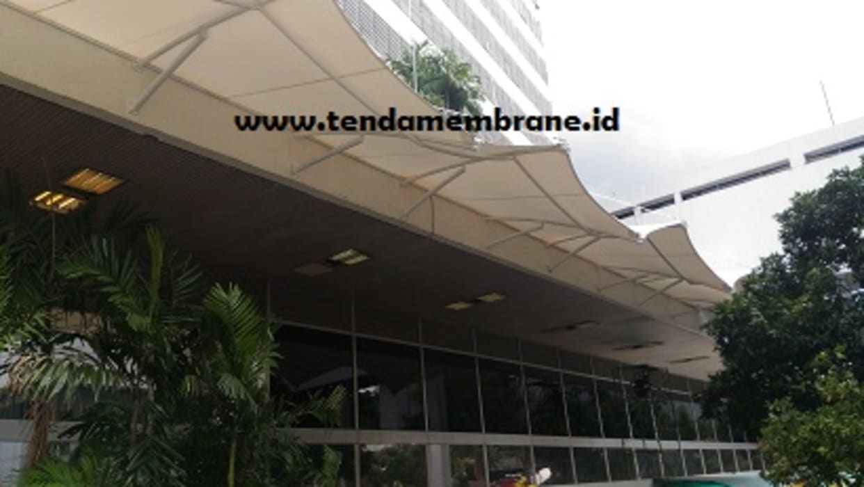 Kanopi gedung SEKJEN DPR RI, Senayan Bangunan Kantor Tropis Oleh Fortuna Jaya Kreasi Tropis Komposit Kayu-Plastik