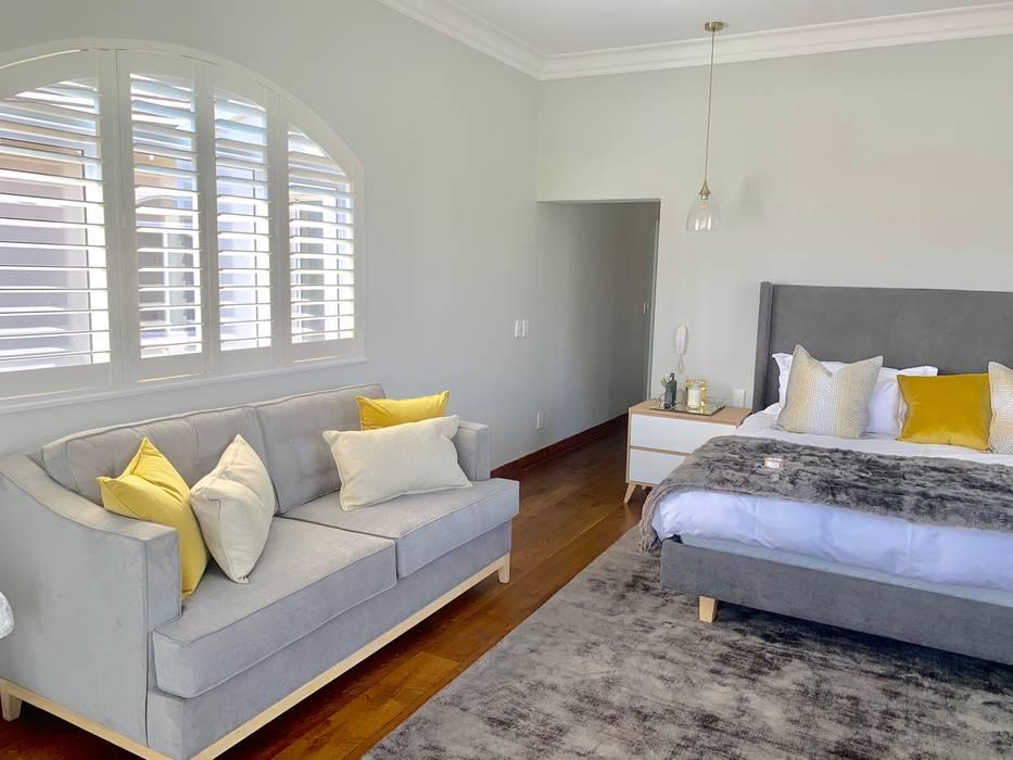 Main Bedroom:  Bedroom by CS DESIGN,