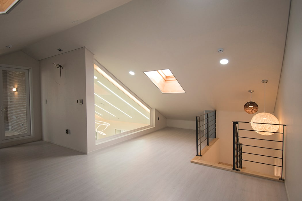 من AAG architecten حداثي الخشب البلاستيك المركب