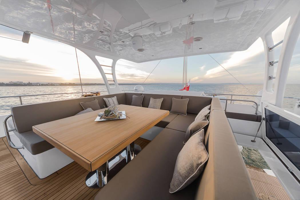 Yachts & Jets de style  par Front Side Studio, Minimaliste