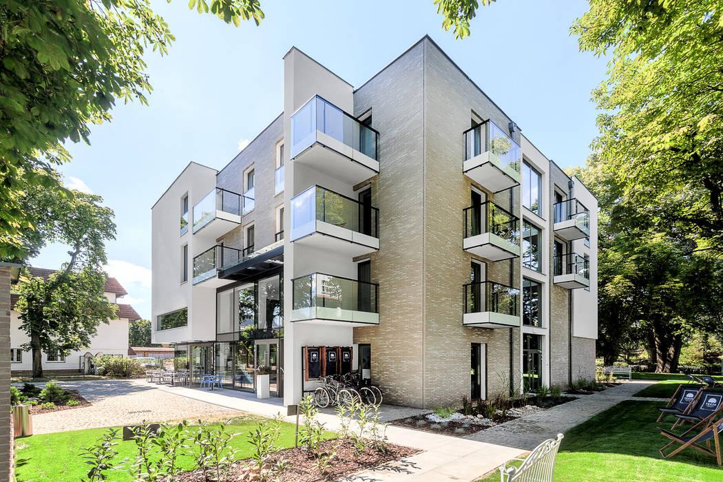 Scandinavian style houses by Front Side Studio Scandinavian
