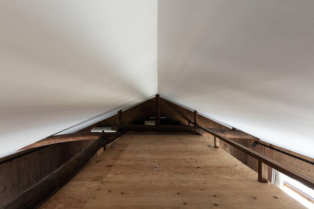 Sukima House โดย 山本嘉寛建築設計事務所 YYAA โมเดิร์น แผ่นไม้อัด Plywood
