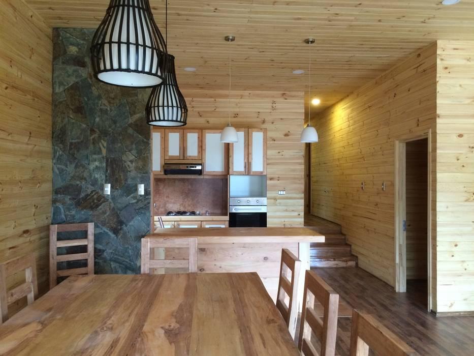 Interior Living - Comedor: Casas de estilo  por Loberia Arquitectura,