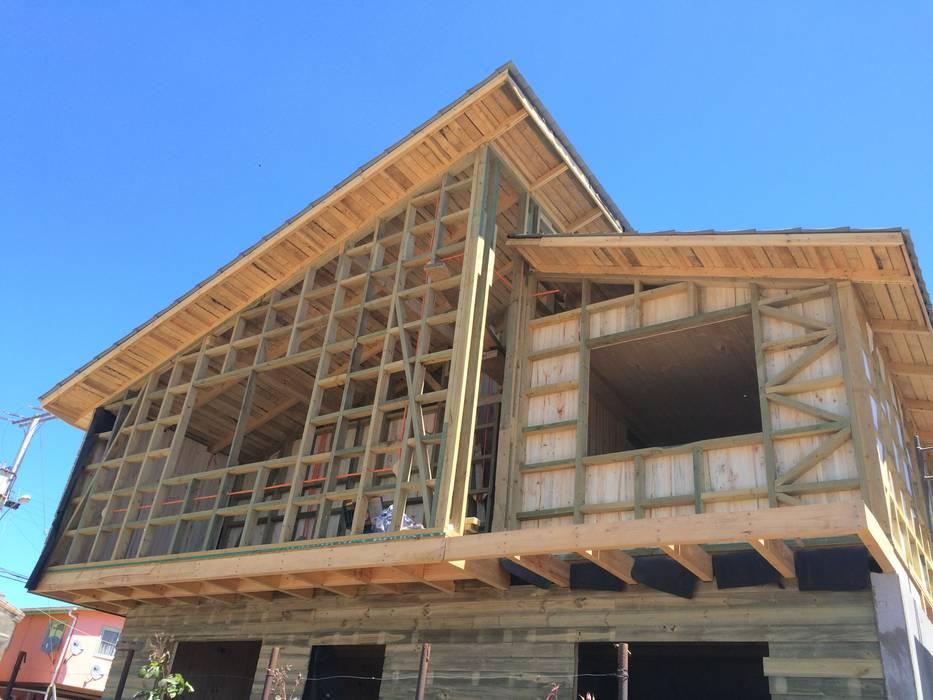 Vista Principal Casas de estilo clásico de Loberia Arquitectura Clásico