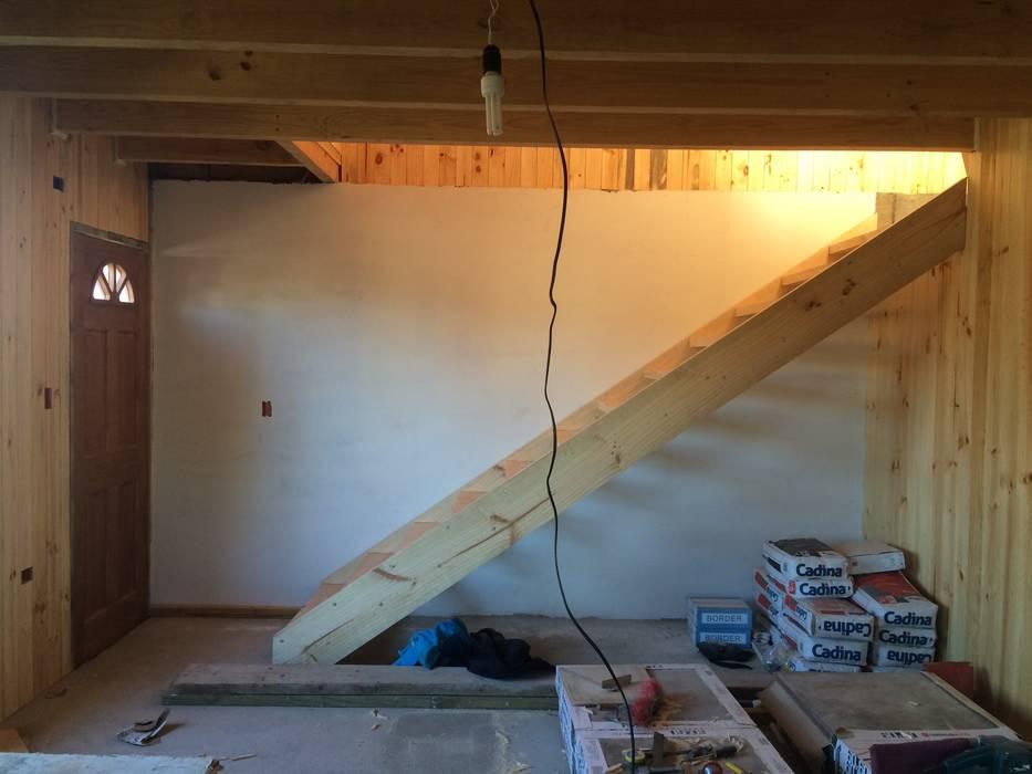 Interior - Escalera: Casas de estilo  por Loberia Arquitectura,