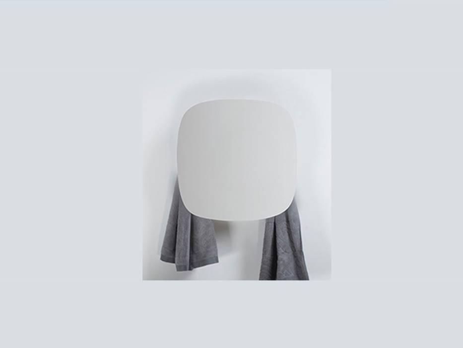 Elektrischer Handtuchwärmer Square von mg12 Moderne Badezimmer von RF Design GmbH Modern