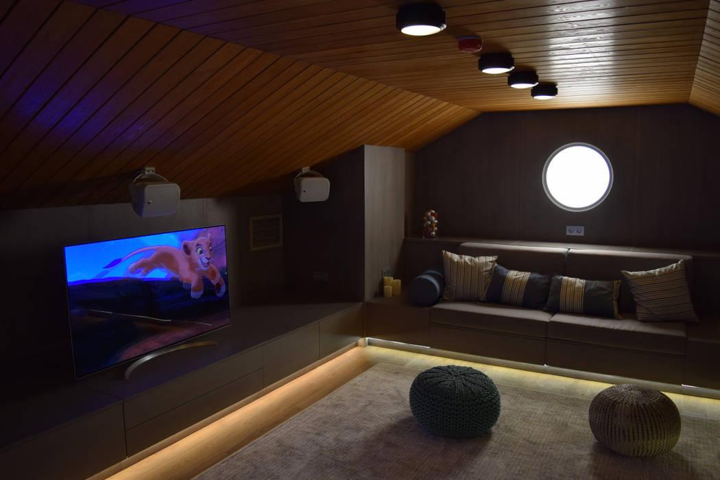 Media room by Rusinstall, Scandinavian